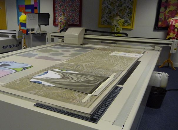 Fibre to fabric: Textiles processes in practice